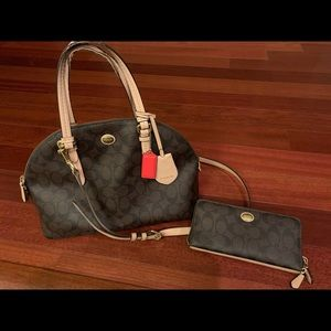 Authentic Coach Peyton Signature Cora + Wallet